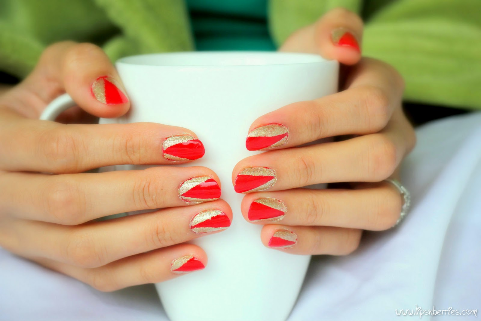 Lips n Berries!: What would a beauty blogger have on her nails....at ...