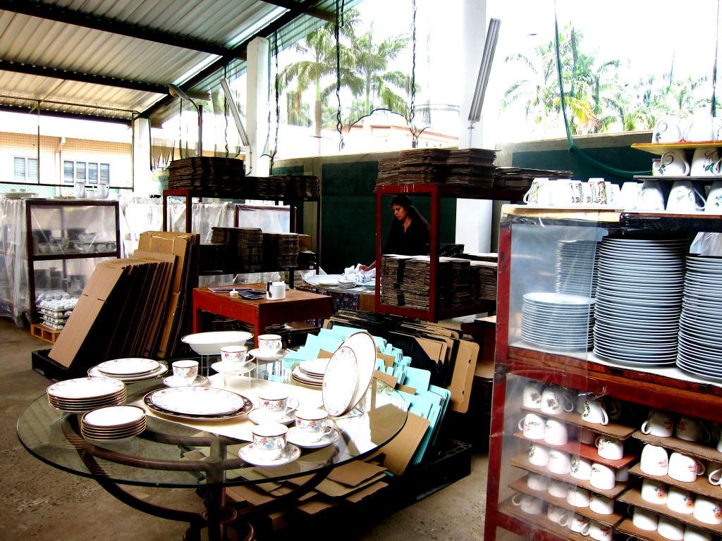 Travelholic travel tips sri lanka tea noritake for Colombo design outlet