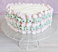 NUBES SOBRE UN CARROT CAKE Y CREMA DE MASCARPONE