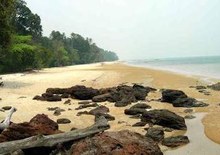 Mas, Pantai Air Mas di Bangka Ini Pasirnya Putih