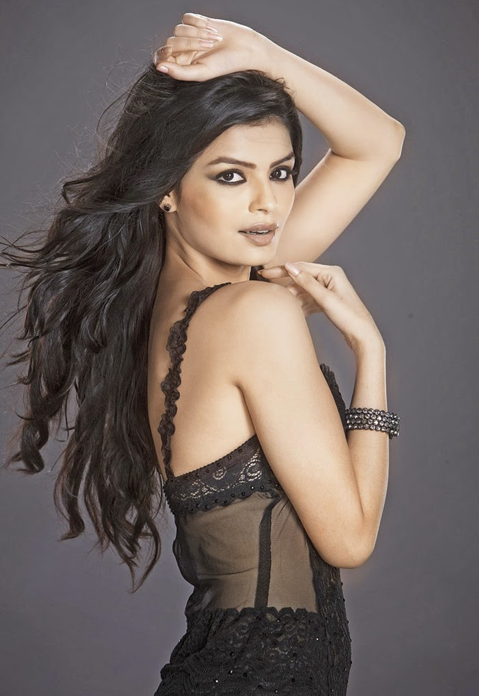 Sonali Raut hot images