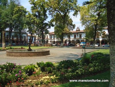 Una de las Plazas más bellas de México en Pátzcuaro