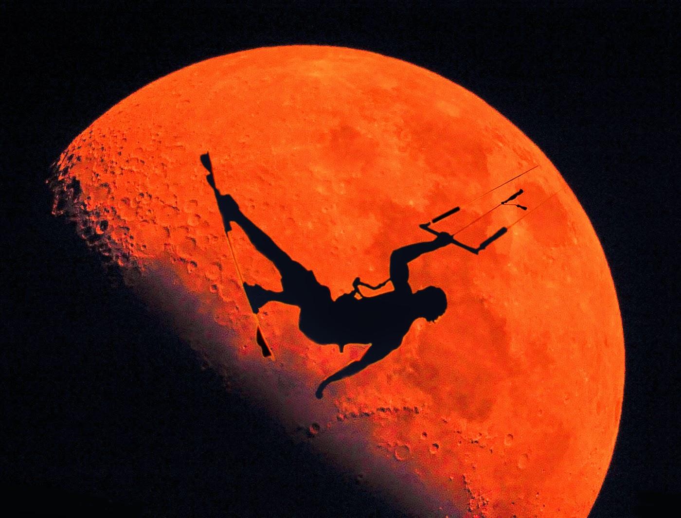 full moon kitesurfing kiteboarding fullmoon