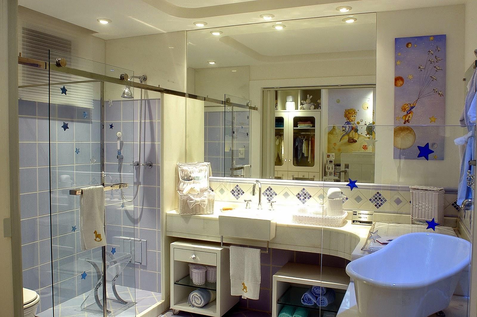 Banheiro de menino azul com tema do Pequeno Príncipe! A bancada em  #2E4B9D 1600x1064 Bancada Banheiro Azul