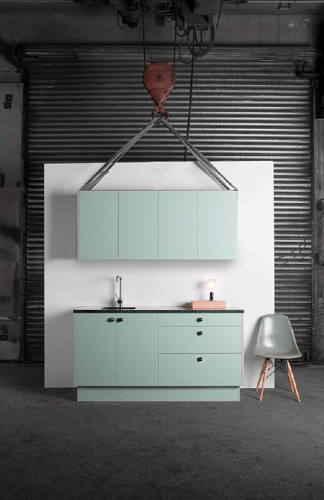 Köksstommar från IKEA klädda i Superfront luckor, ny toppskiva och ...