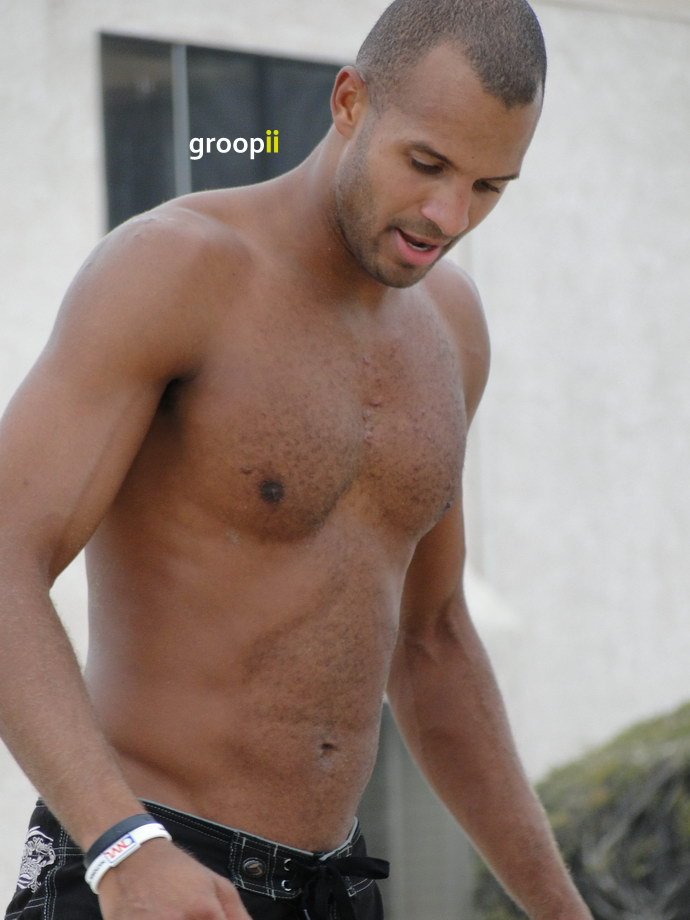 robert john burke shirtless images amp pictures   becuo