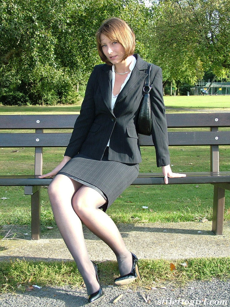 Lastest Girls In HEELS On Twitter QuotLeggy Blonde In A White Skirt And Ankle