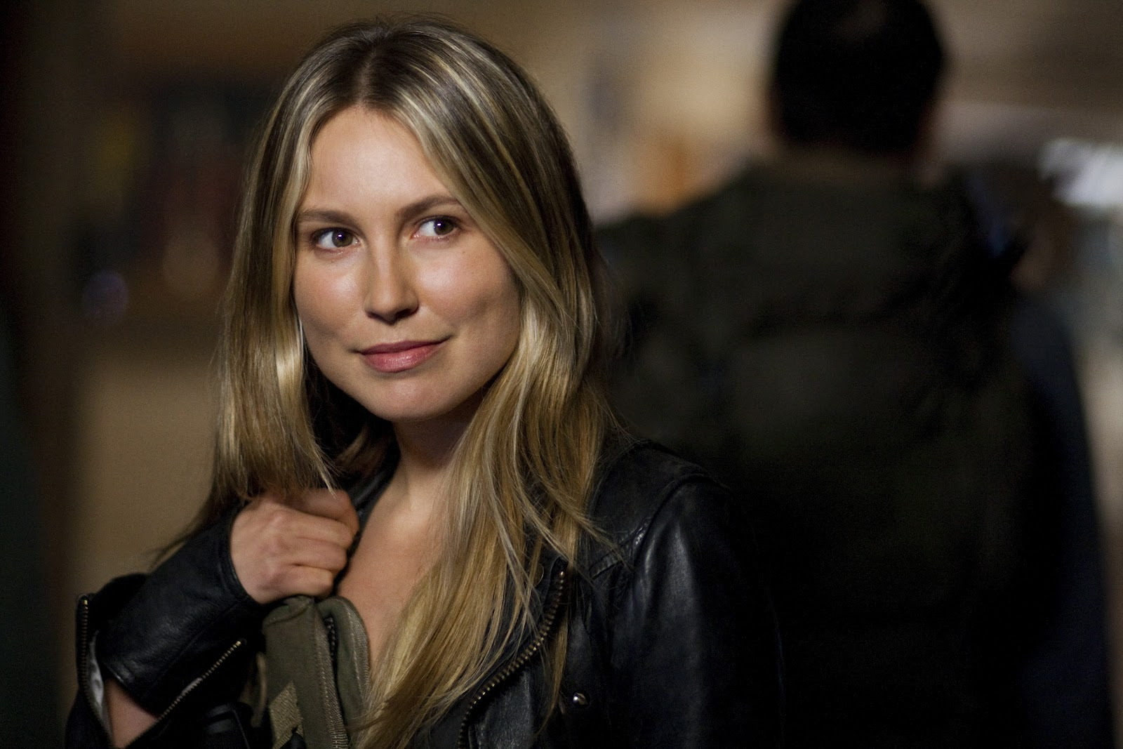Celebrities, Movies and Games: Sarah Carter - Falling ...