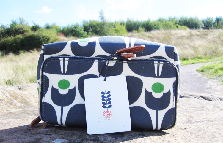 A picture of Orla Kiely Wall Flower Print Wash Bag review