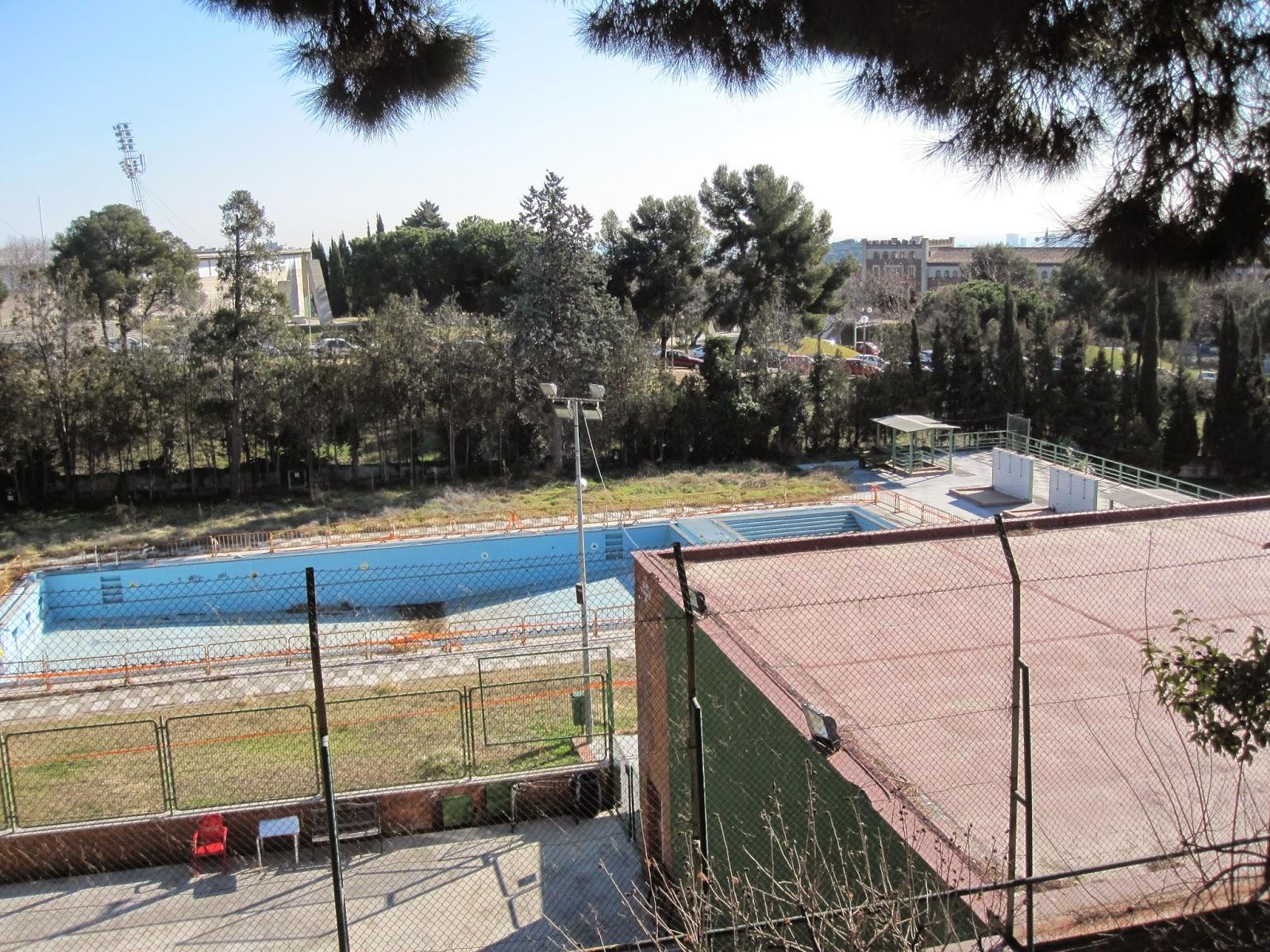 Tot barcelona la piscina de mundet o la muerte por abandono for Piscinas municipales barcelona