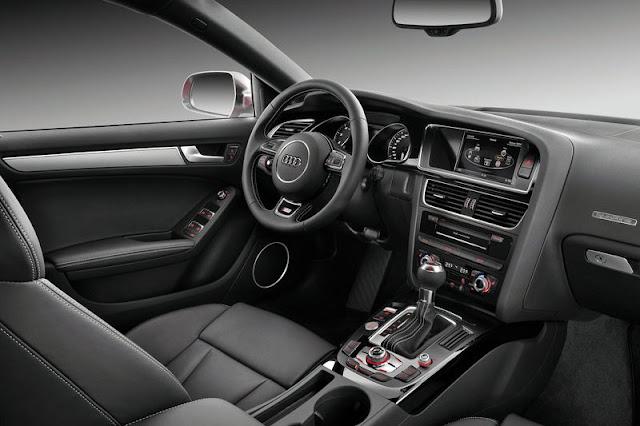 2012 Audi S5 SportBack Entertainment Interior
