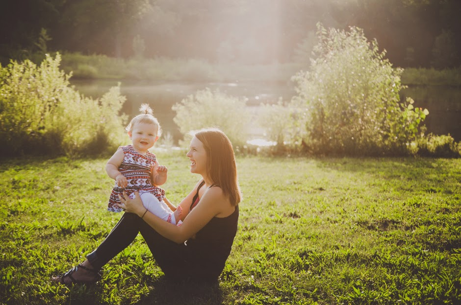 Natural light family photography in Indianapolis for moms
