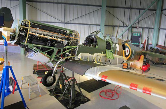 Supermarine Spitfire digunakan sebagai pejuang garis depan
