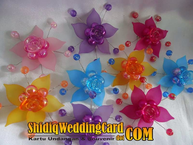 http://www.shidiqweddingcard.com/2014/02/bross-bunga-c.html