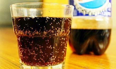 Menurunkan Kadar Asam Urat Dengan Minuman Soda