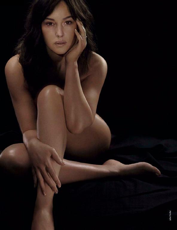 Monica Bellucci nue