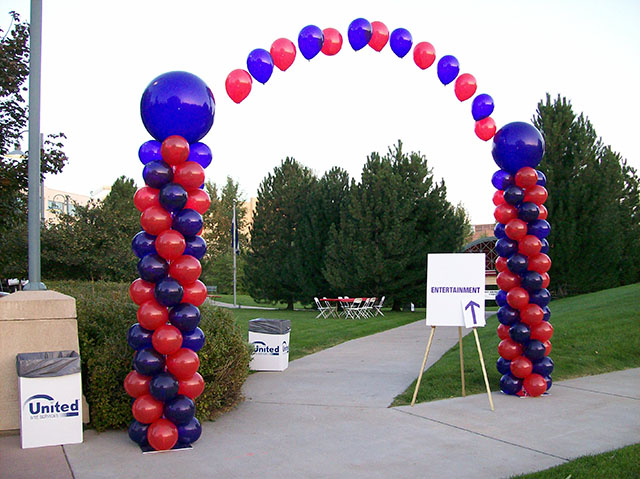 Balloon designs pictures balloon arches and columns for How to make balloon arch at home