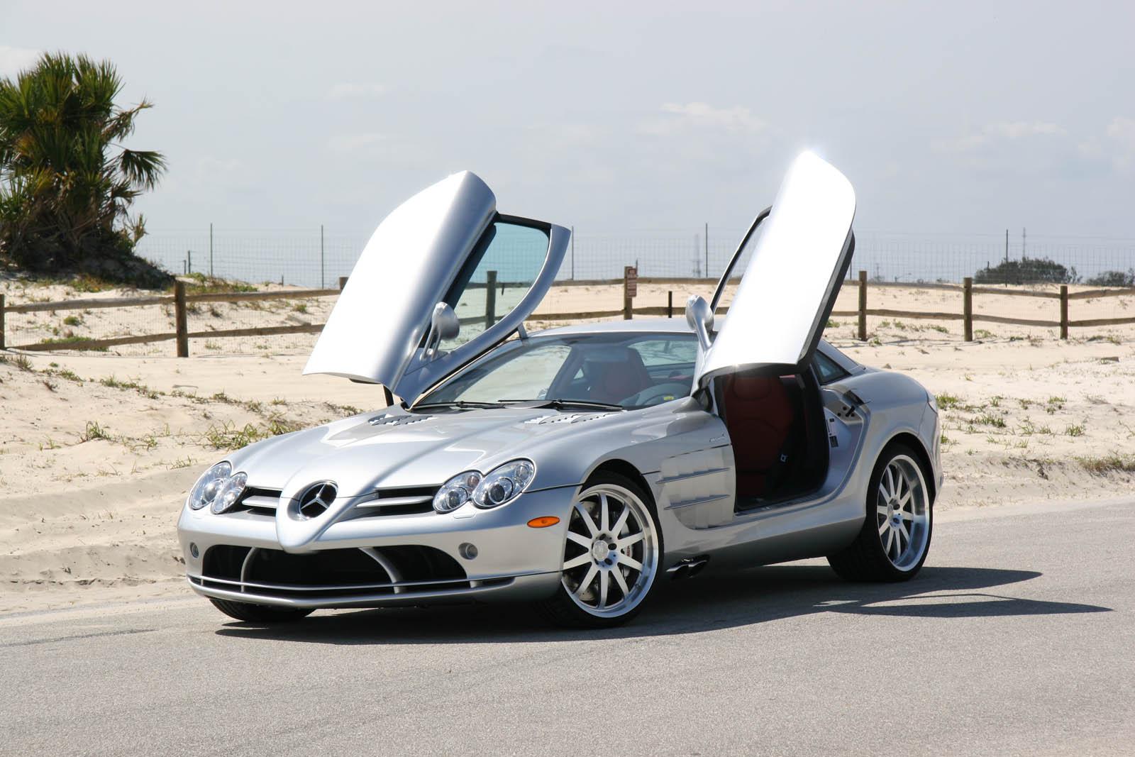 http://2.bp.blogspot.com/-EpYJb0Yq0vw/ThBz-NIrV4I/AAAAAAAABk4/JkWJZrbftD8/s1600/11747-2006-Mercedes-Benz-SLR.jpg