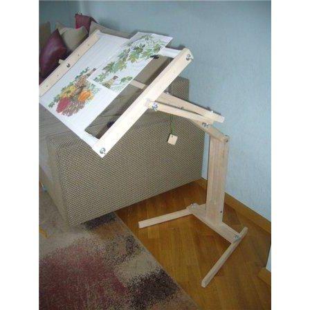 Столик для вышивания крестиком