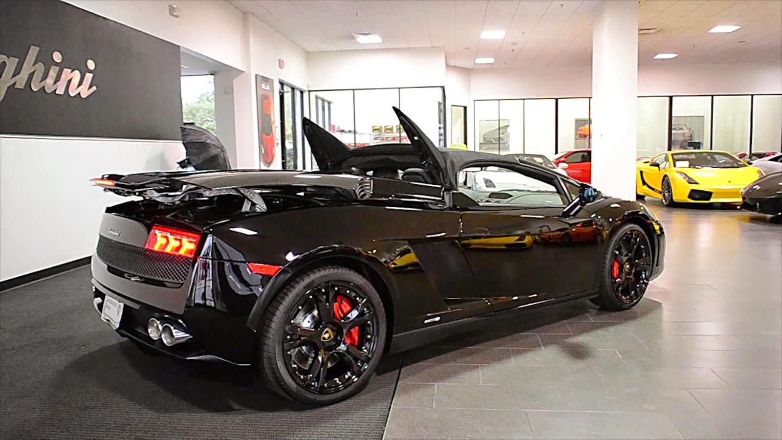 mobil lamborghini hitam