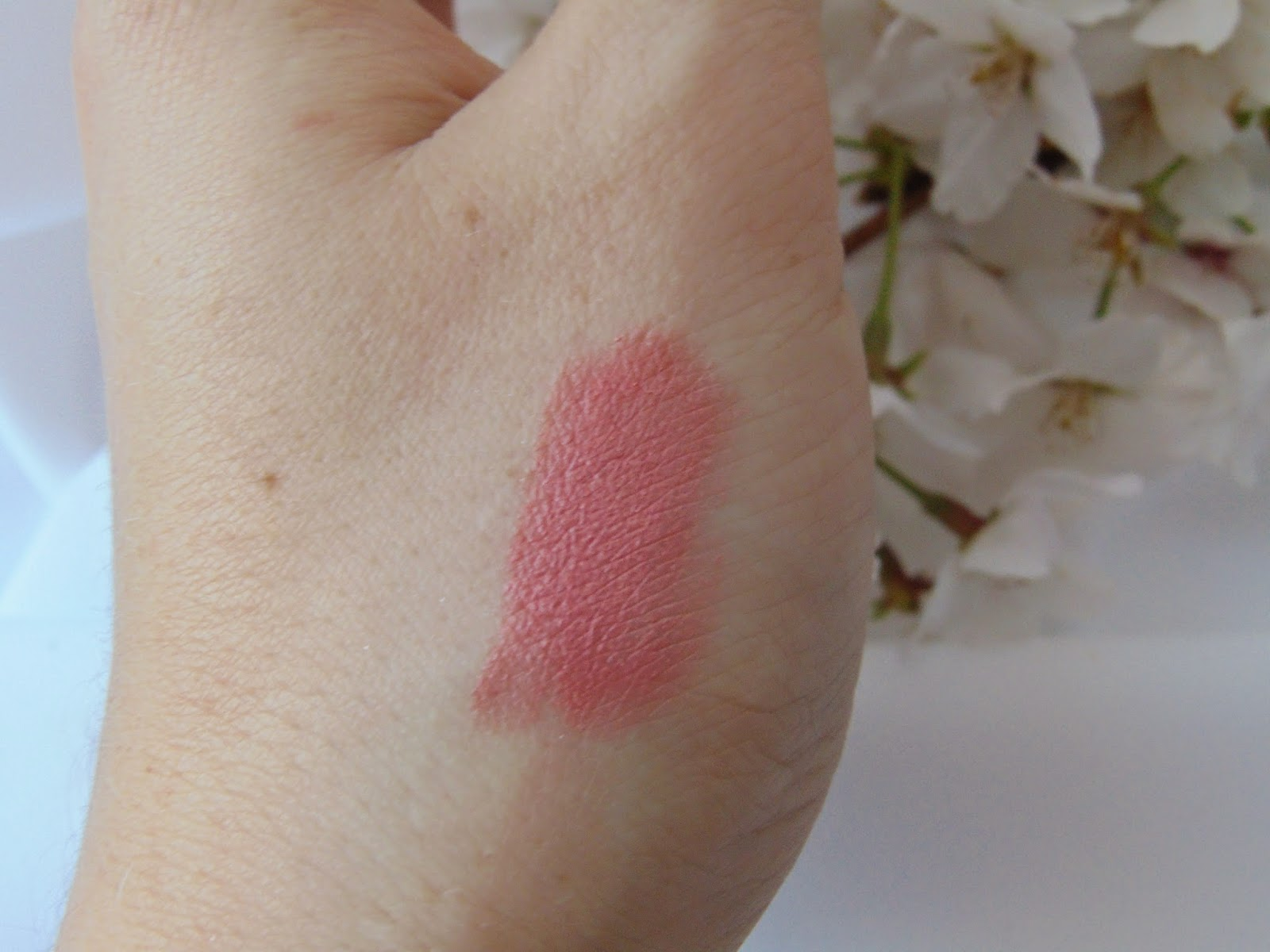 p2 Long Lasting Shine - Lippenstift - 010 endless Rose Swatch - www.annitschkasblog.de