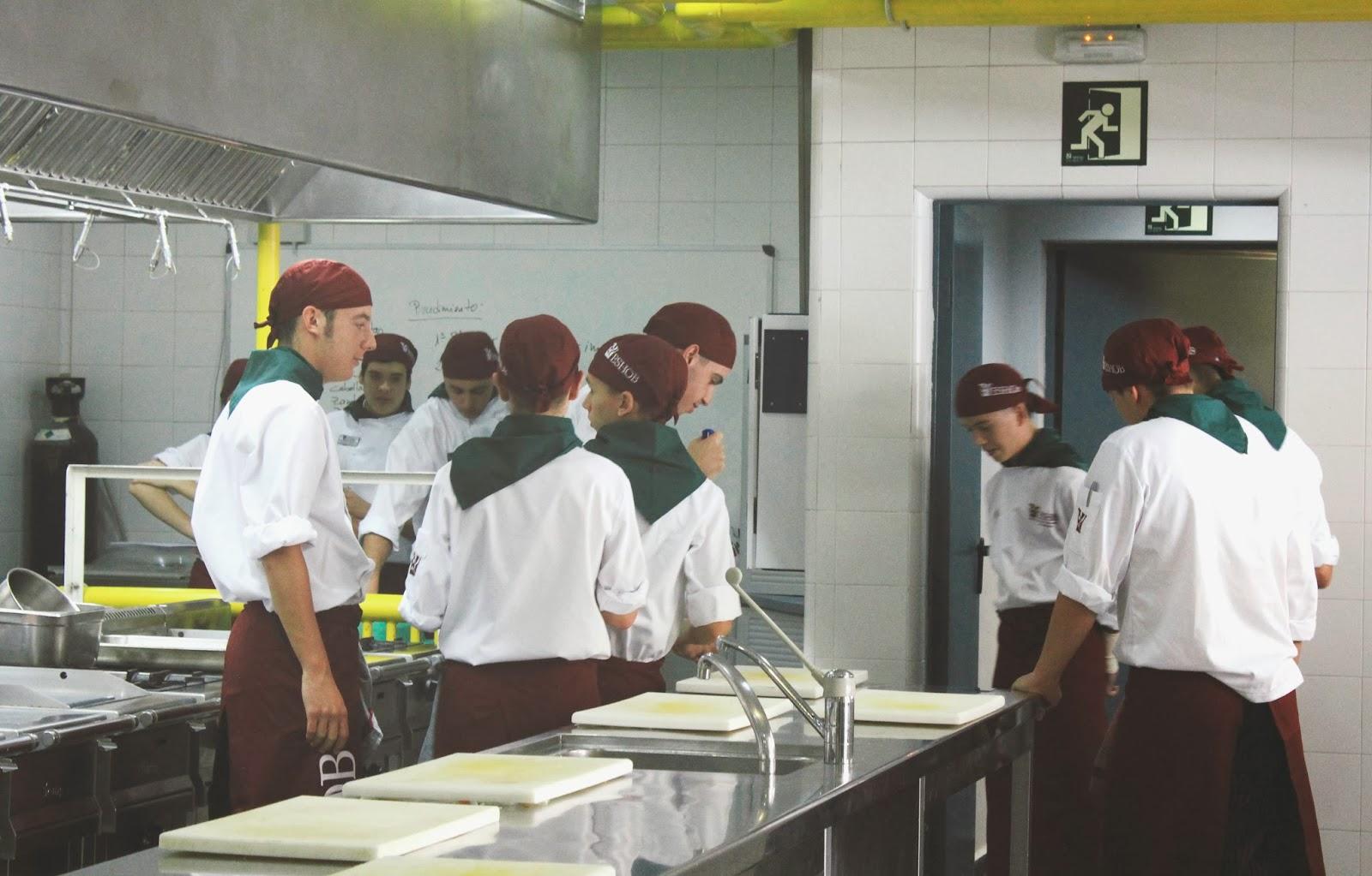Conociendo a fondo la escuela superior de hosteler a de - Escuela cocina barcelona ...