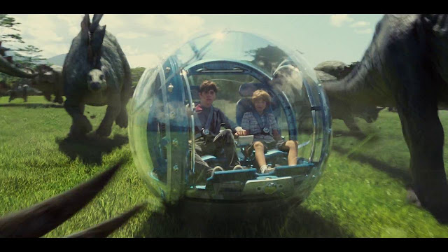 Jurassic World, Chris Pratt, Nick Robinson, movie review, Bryce Dallas Howard, Indominus rex, Isla Nublar, dinosaur,