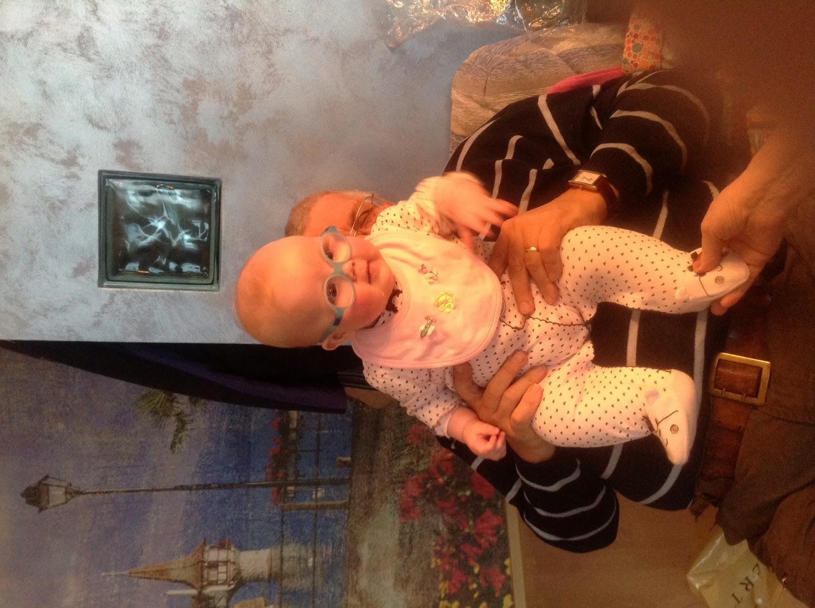 Русская мама и тётя с сынком 11 фотография