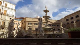 彫像の公園