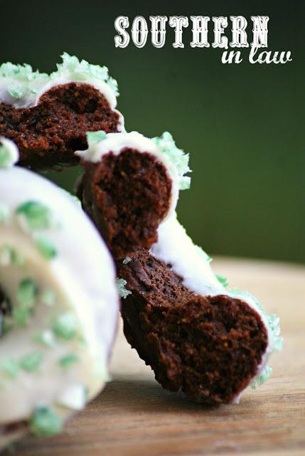 Healthy Vegan Peppermint Bark Donuts Recipe - healthy, low fat, low sugar, gluten free, dairy free, egg free, vegan