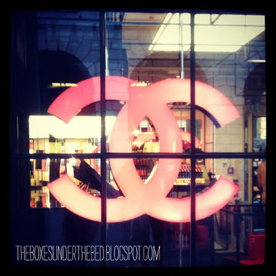 Chanel Pop-Up Store - Window signs