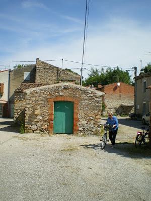 Le four à pain du  hameau de VERDALLE  dans le Tarn