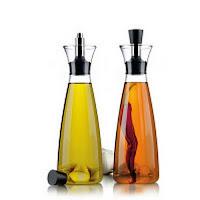 Elementos habituales llenos de bacterias - Dispensadores de condimentos