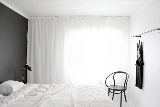 Facing north with gracia nina holst for Minimalist black and white bedroom