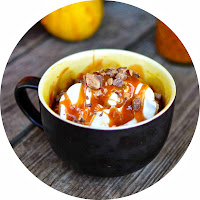 http://www.yammiesnoshery.com/2013/10/pumpkin-mug-pie-with-toffee-and-caramel.html
