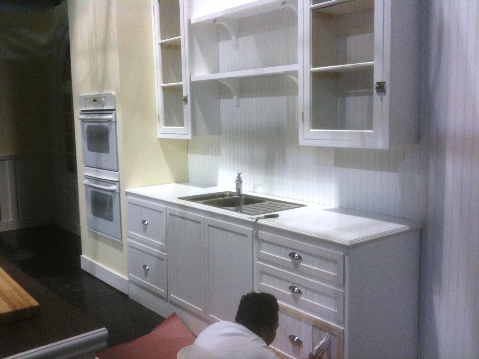 Thb construction tv studio set kitchen set created for for Kitchen set 008 58