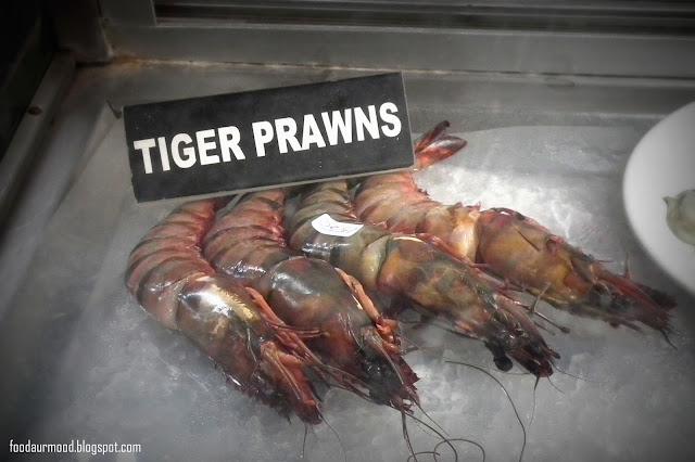 prawns, baga beach, brittos, goa