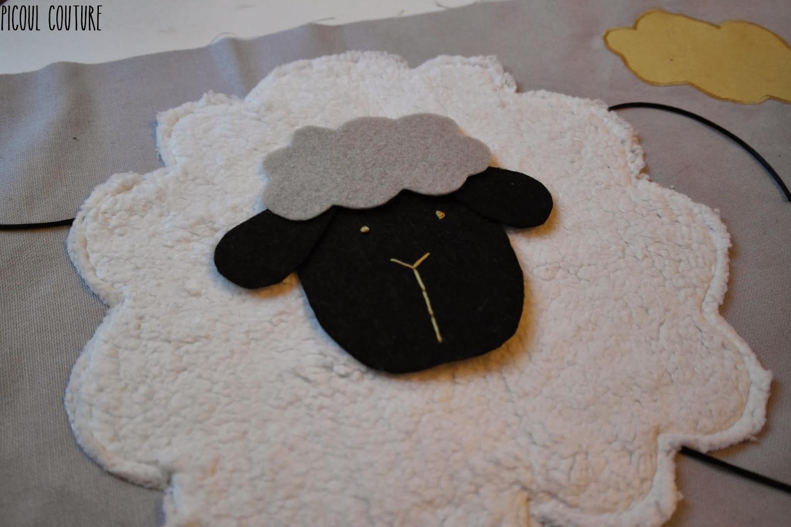 Picoul couture le tour de lit sur le th me moutons et - Tuto tour de lit ...
