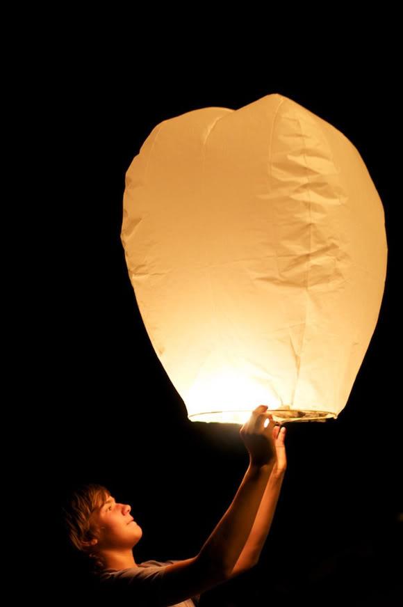 Lámparas de papel voladoras para eventos