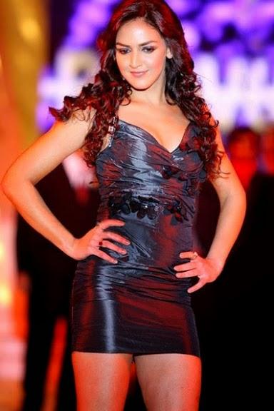 Esha Deol's Unseen Sizzling Hot Pics In Black Mini Skirt [HD Hot Pics Gallery]