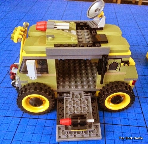 LEGO TMNT Turtle Van Takedown Set 79115 Review vehicle build side angle