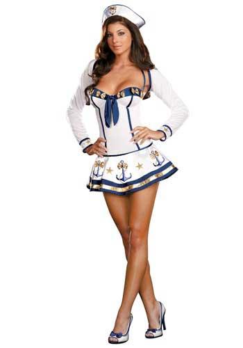 chica disfrazada de marinera sexy con disfraz casero