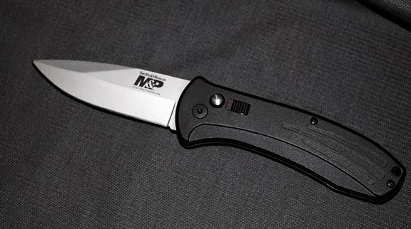 S&W automatic knife