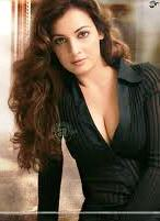 Diya-Mirza-Hot-Bollywood-Actress-8