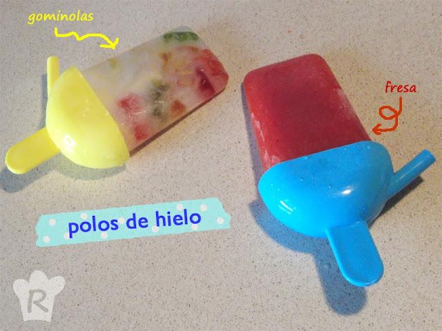Polos de hielo de gominolas y de fresas naturales