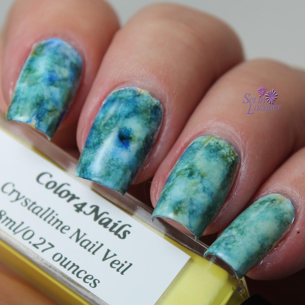 Alcohol Ink marbled nail art