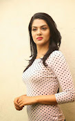 Sakshi chowdary latest glam pics-thumbnail-17