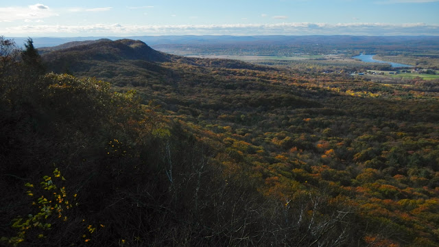 the view from Mt. Hitchcock in the Holyoke Range