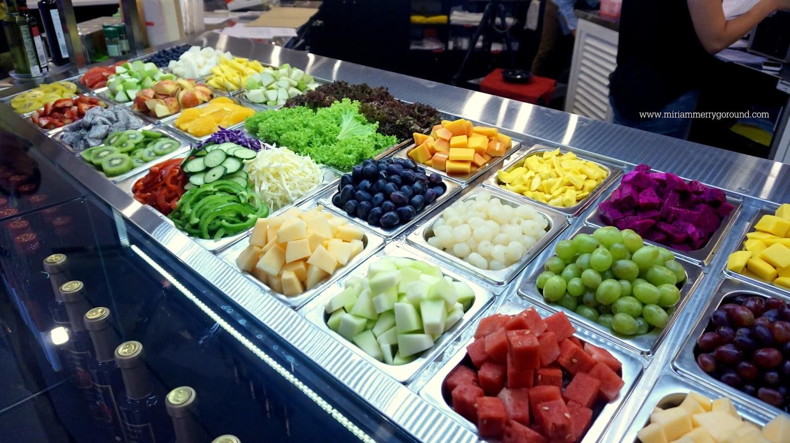 Fruits With MBG New Salad Bar