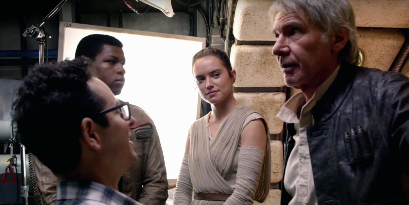 the-force-awakens-behind-the-scenes